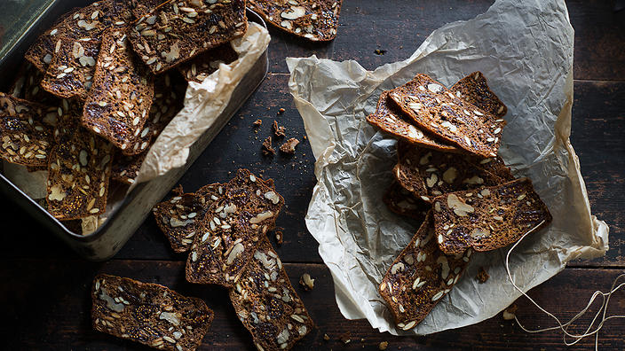 Mix Seed and Fig Cracker