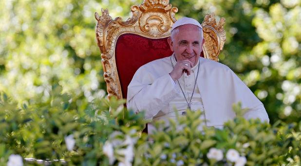 Reuters-Pope-Francis-Castelpetroso-photog-Giampiero-Sposito.jpg