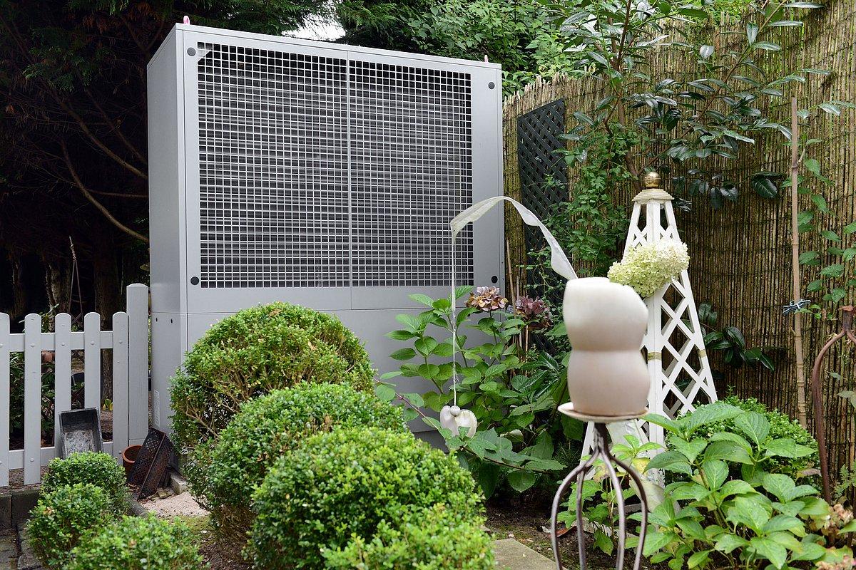 Luft/Wasser-Wärmepumpe im Außenbereich. Foto: BWP