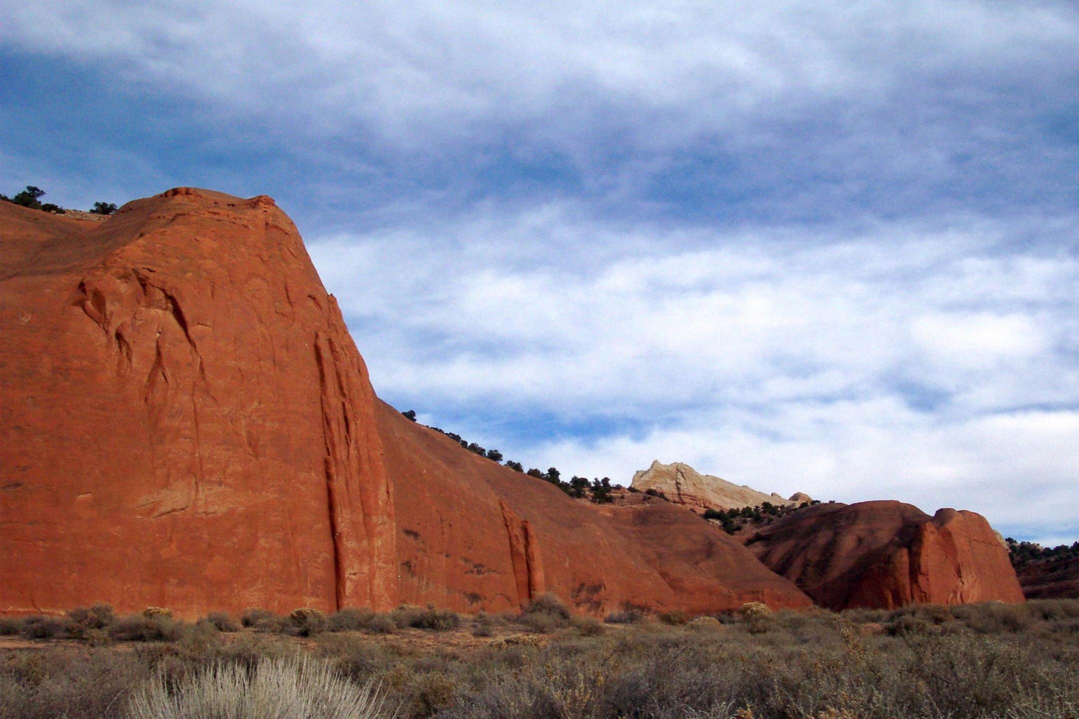 Thoreau red rock cliffs