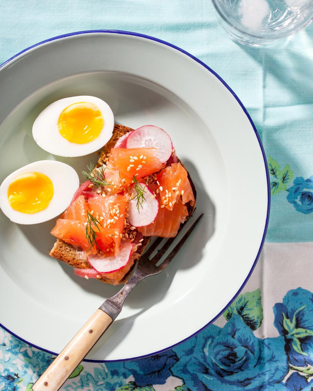 Homemade Salmon Gravlax