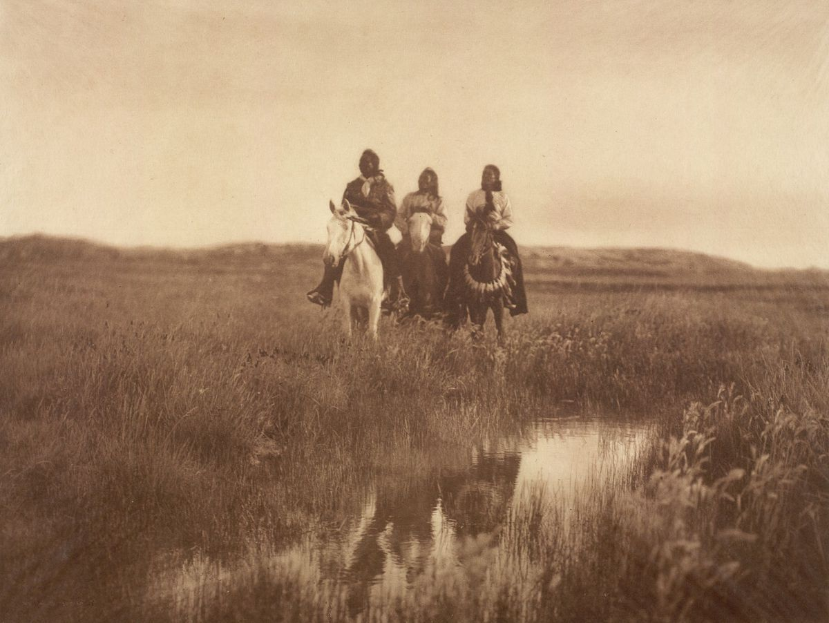 Piegan chiefs,  1900.  ©EDWARD S. CURTIS/LIBRARY OF CONGRESS