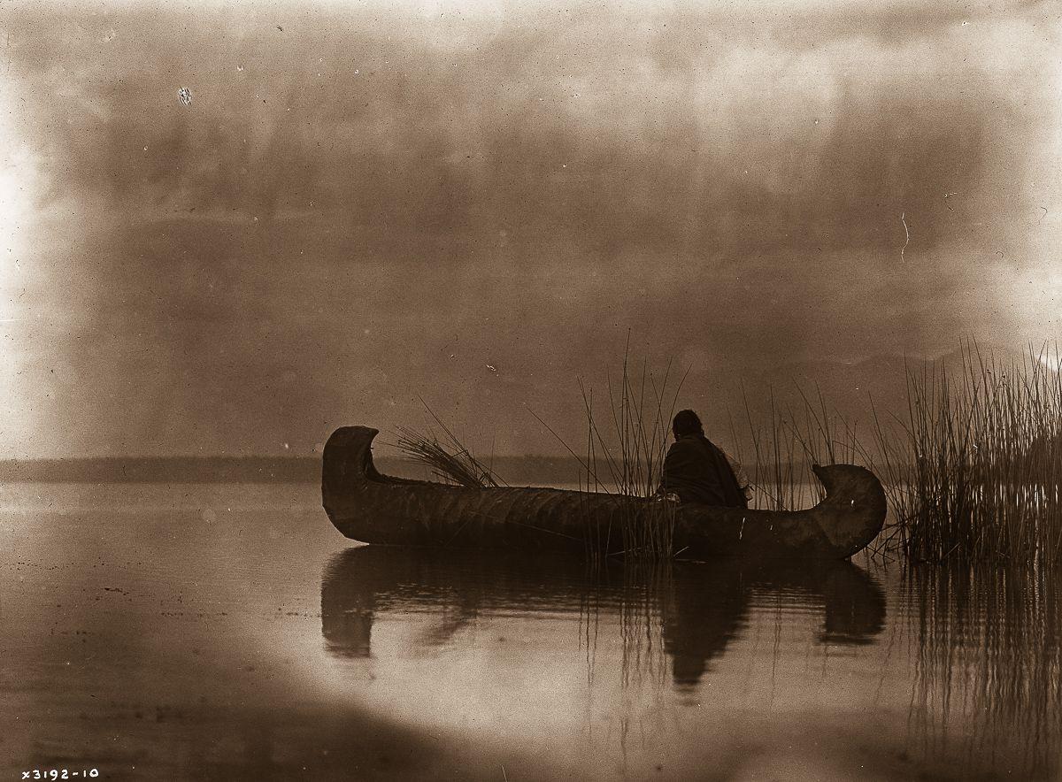 A Kutenai duck hunter,  1910.  ©EDWARD S. CURTIS/LIBRARY OF CONGRESS