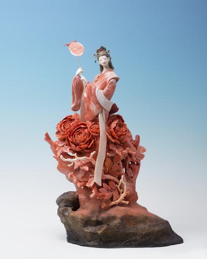 Red Peony Princess, Precious Coral Art.   © Maekawa Taizan, Photo: © Kadota Mikiya