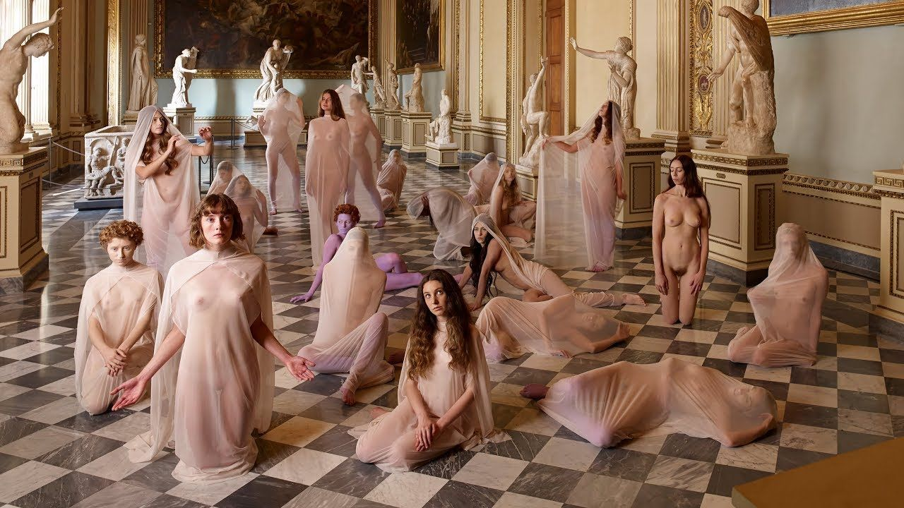 VB84 by VANESSA BEECROFT at the Florentine Galleria degli Uffizi