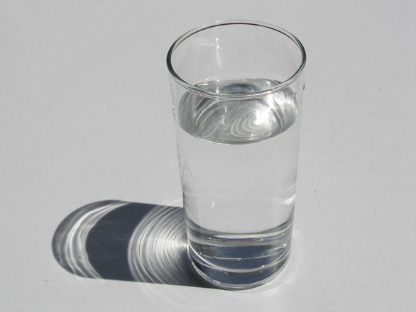 glass-of-water-1327012.jpg