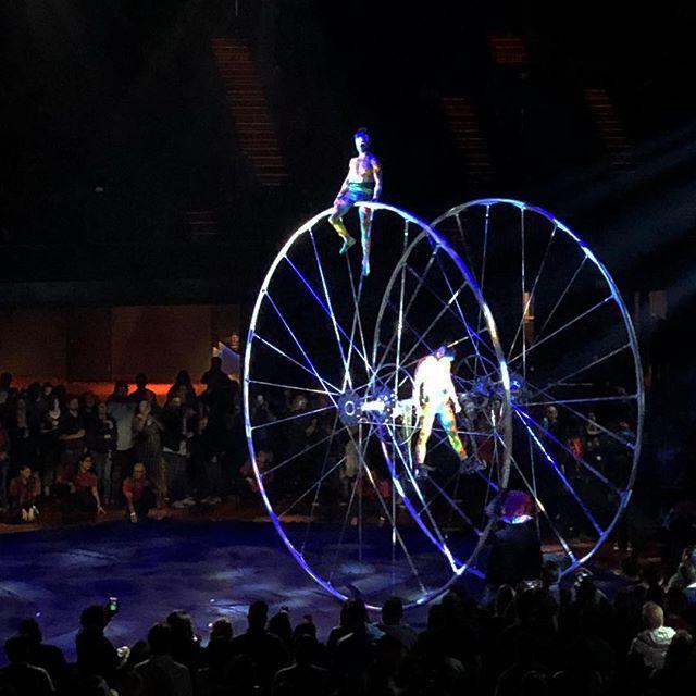 Cirque du soleil show at the forum septimo #cirquedusoleil #septimodiasodastereo #happy