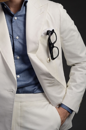 100% cotton summer double breast suit.