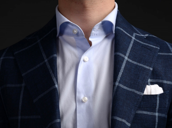 Our collar roll, shown here on our modern cut away collar, stands proud while worn open.