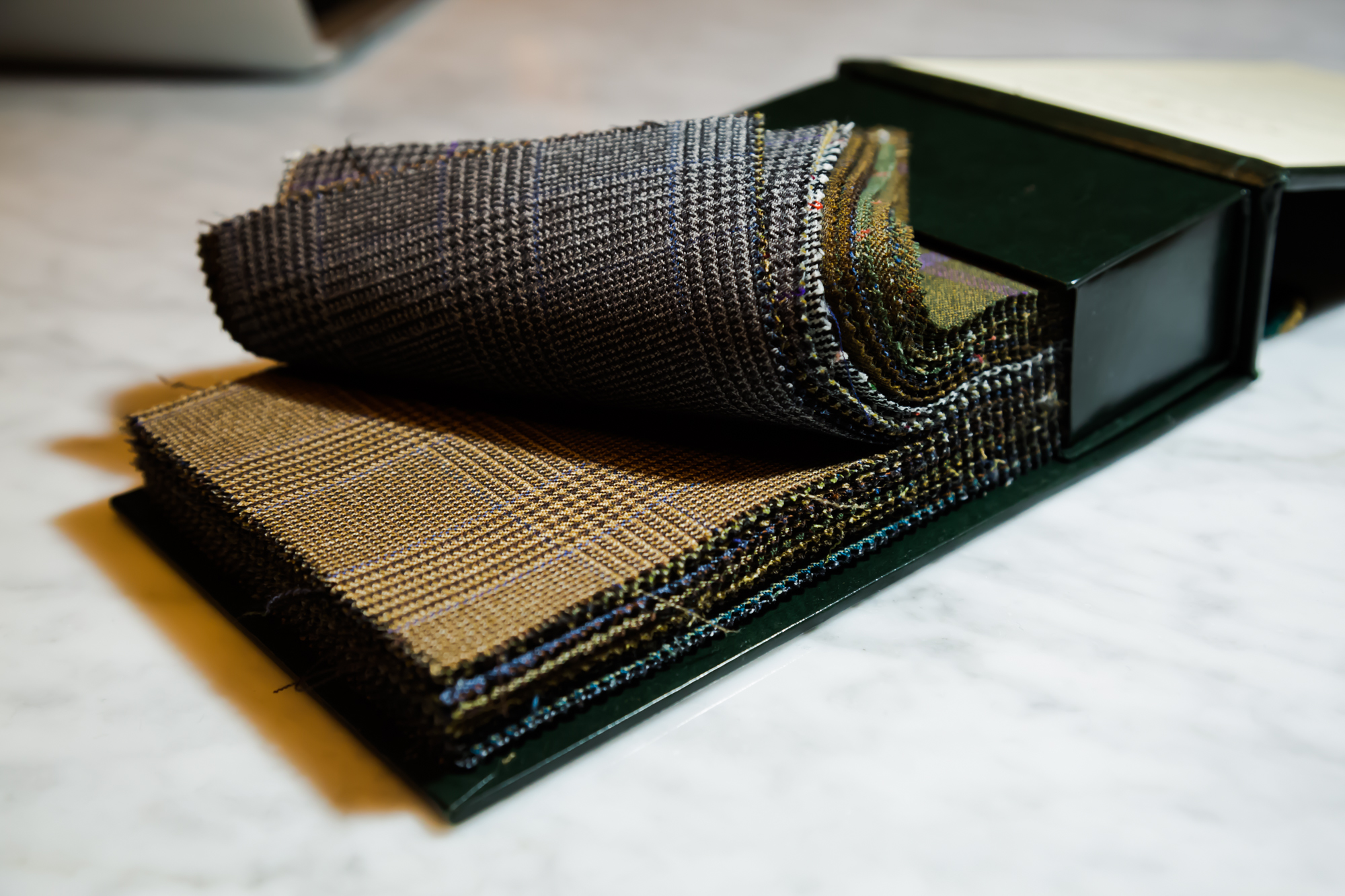 Heavy weight English fabrics designed for warmth. Anything over 300 grams should be worn only in winter.