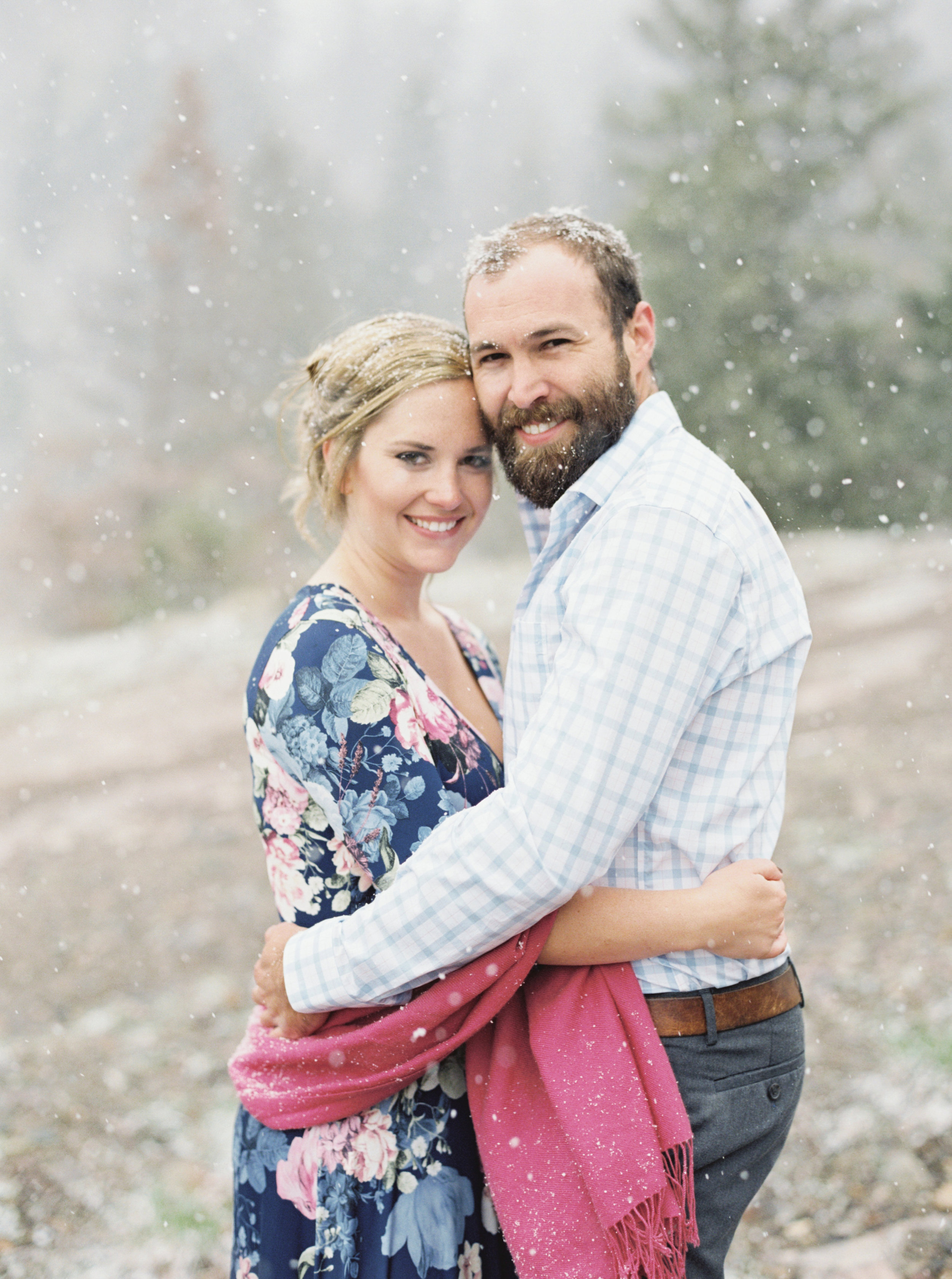 Snowy engagement photos in Colorado, by Dallas destination wedding photographer Tracy Enoch