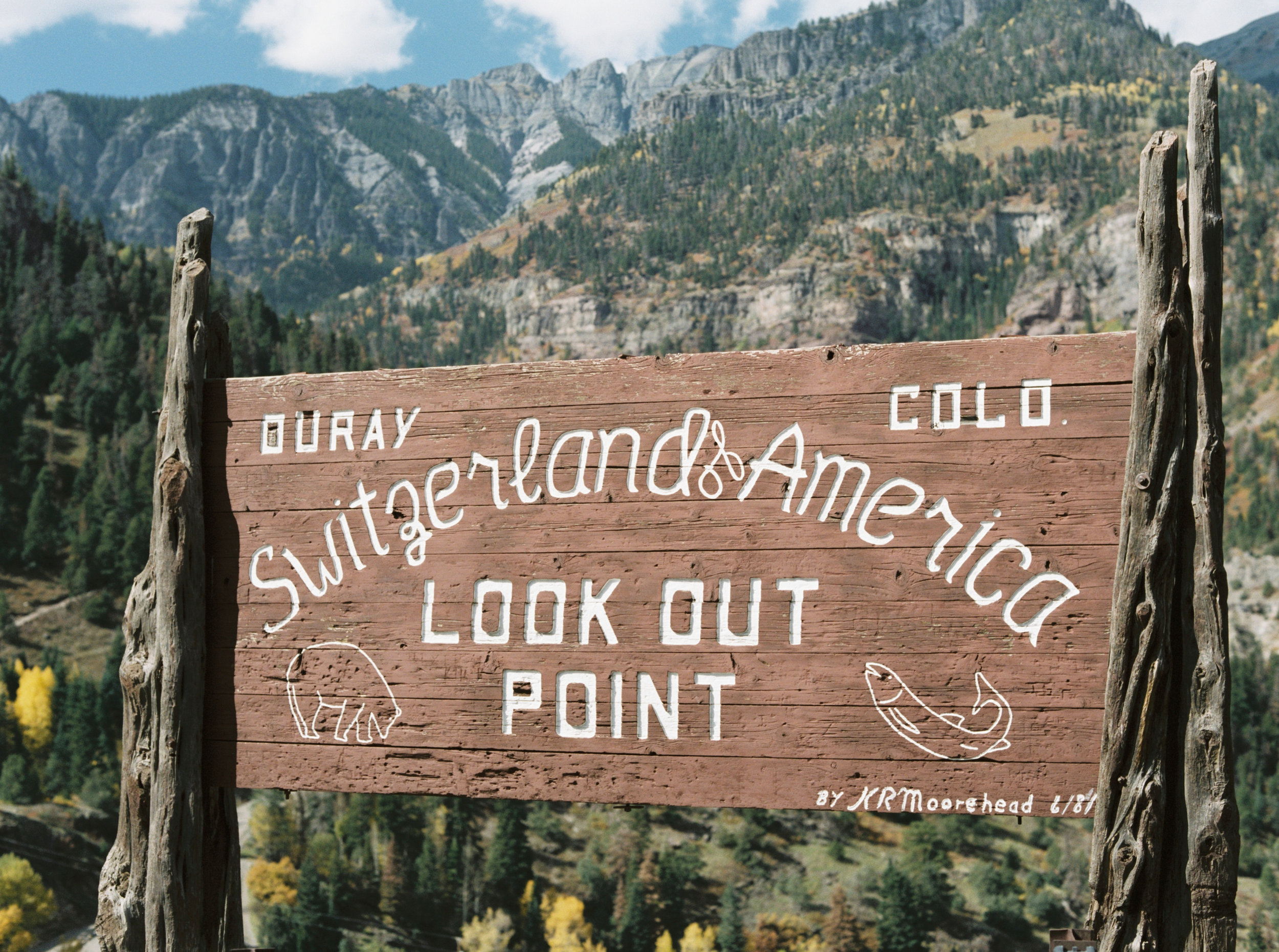 Adventurous Colorado mountain destination wedding, hosted at the Beaumount Hotel in Ouray, by Dallas destination wedding photographer Tracy Enoch