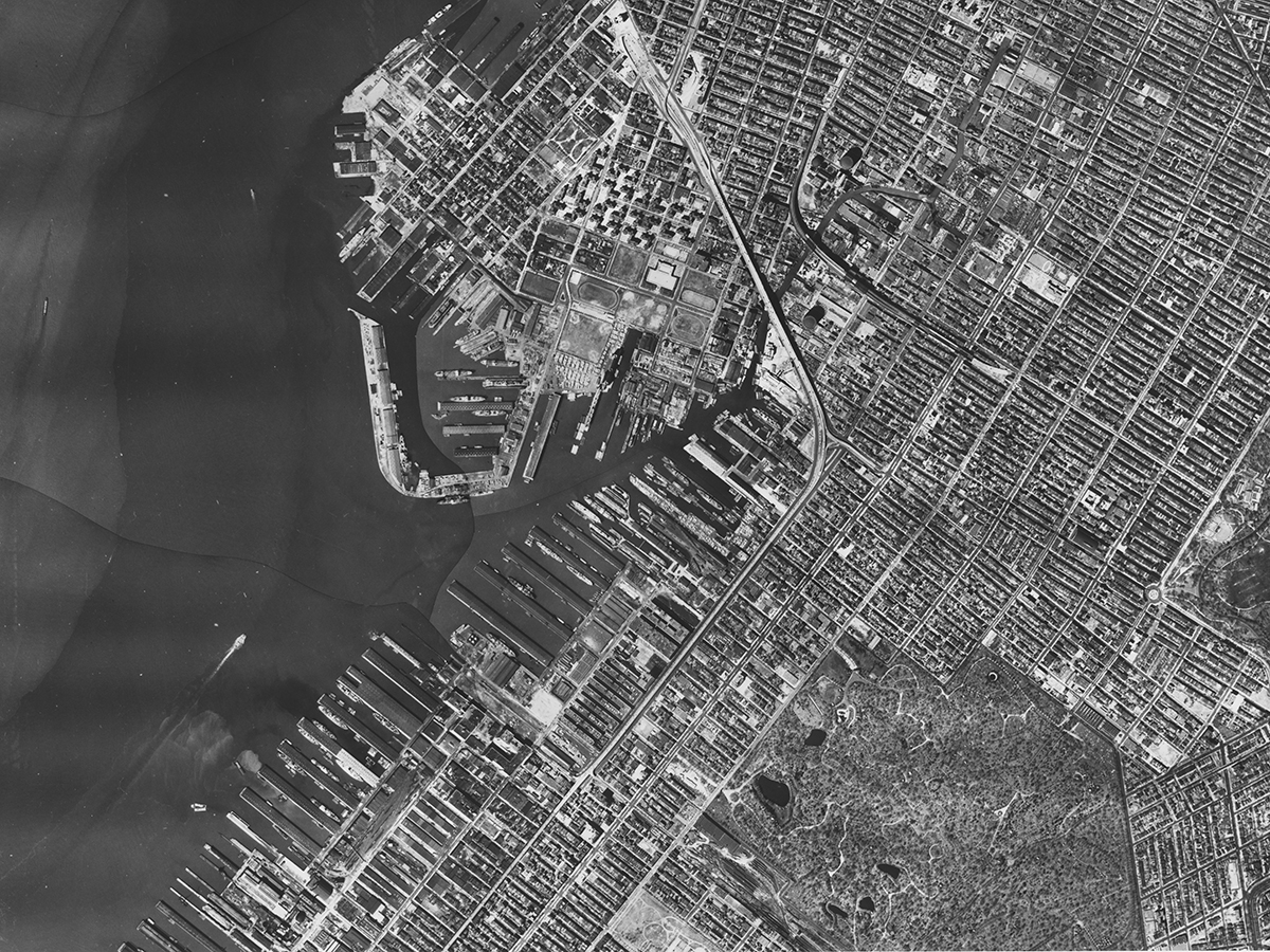 Detail, sectional aerial map of Brooklyn #16, Aero Service Corp., 1951. Sunset Park and Green-Wood Cemetery are seen in lower half of photo. NYC Municipal Archives.
