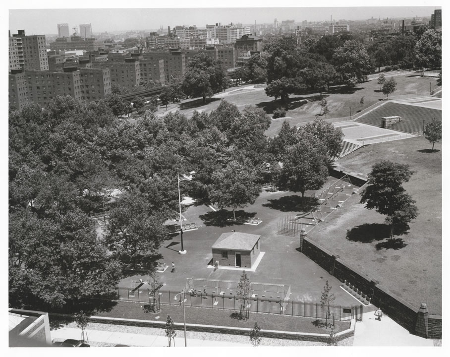 Fort Greene Park playground, near corner of Myrtle Ave. and St. Edwards St., Brooklyn, 1959. Mayor Robert F. Wagner collection, NYC Municipal Archives.