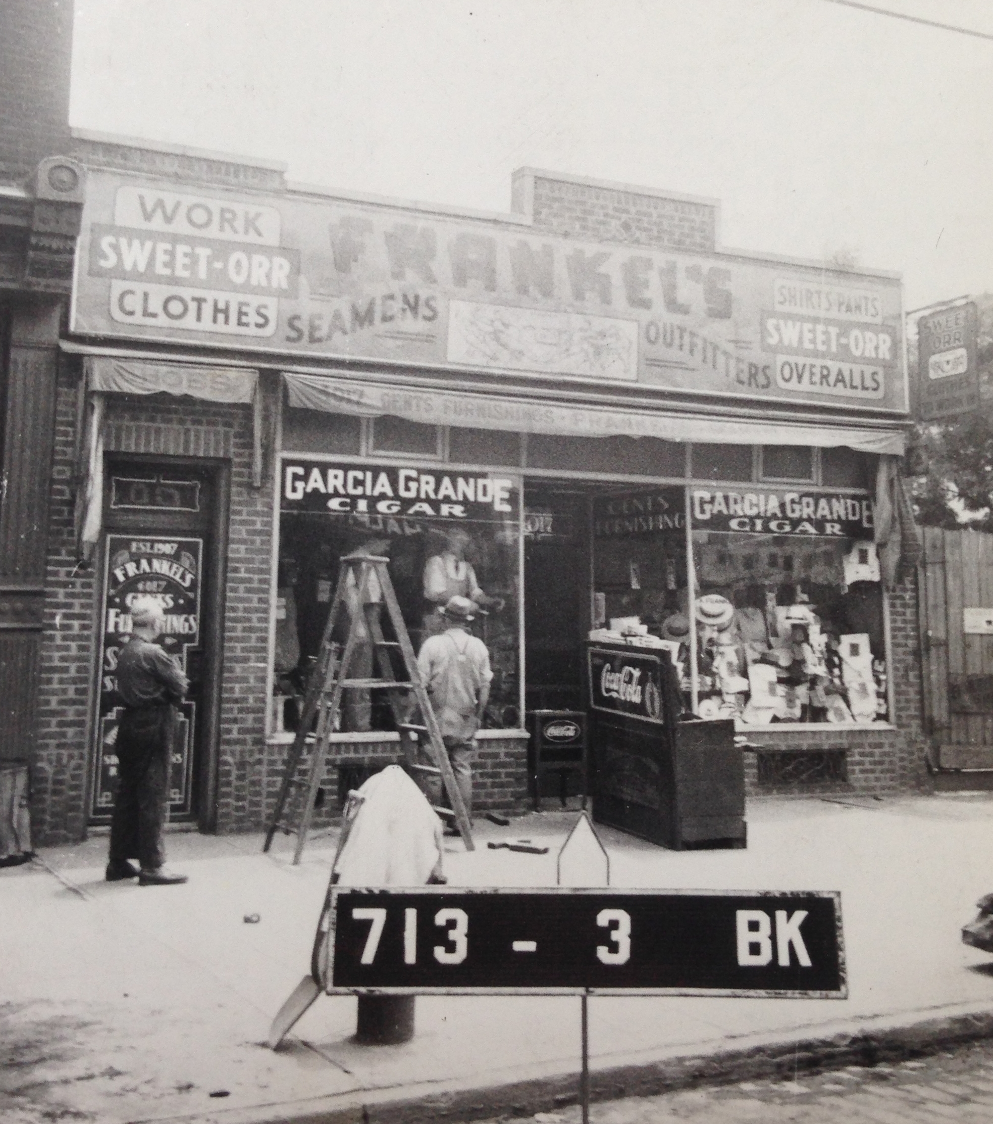 1940s photo of Frankel's, NYC Municipal Archives.