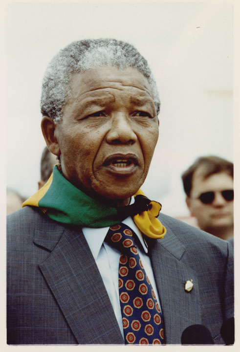 Nelson Mandela speaking after arrival in New York,June 20, 1990. Mayor David N. Dinkins Photograph Collection, NYC Municipal Archives.