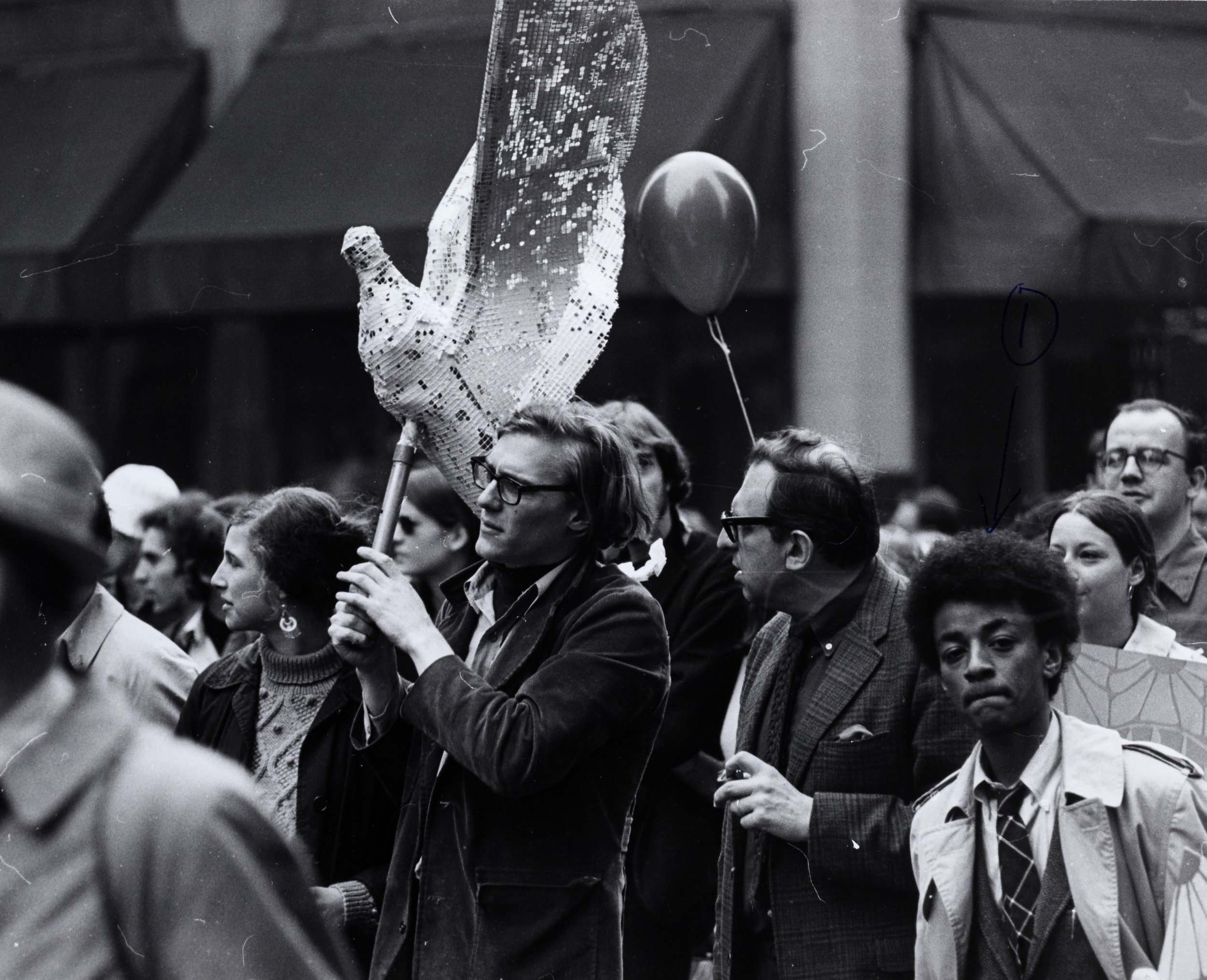 Spring Mobilization Committee, Dove Sculpture
