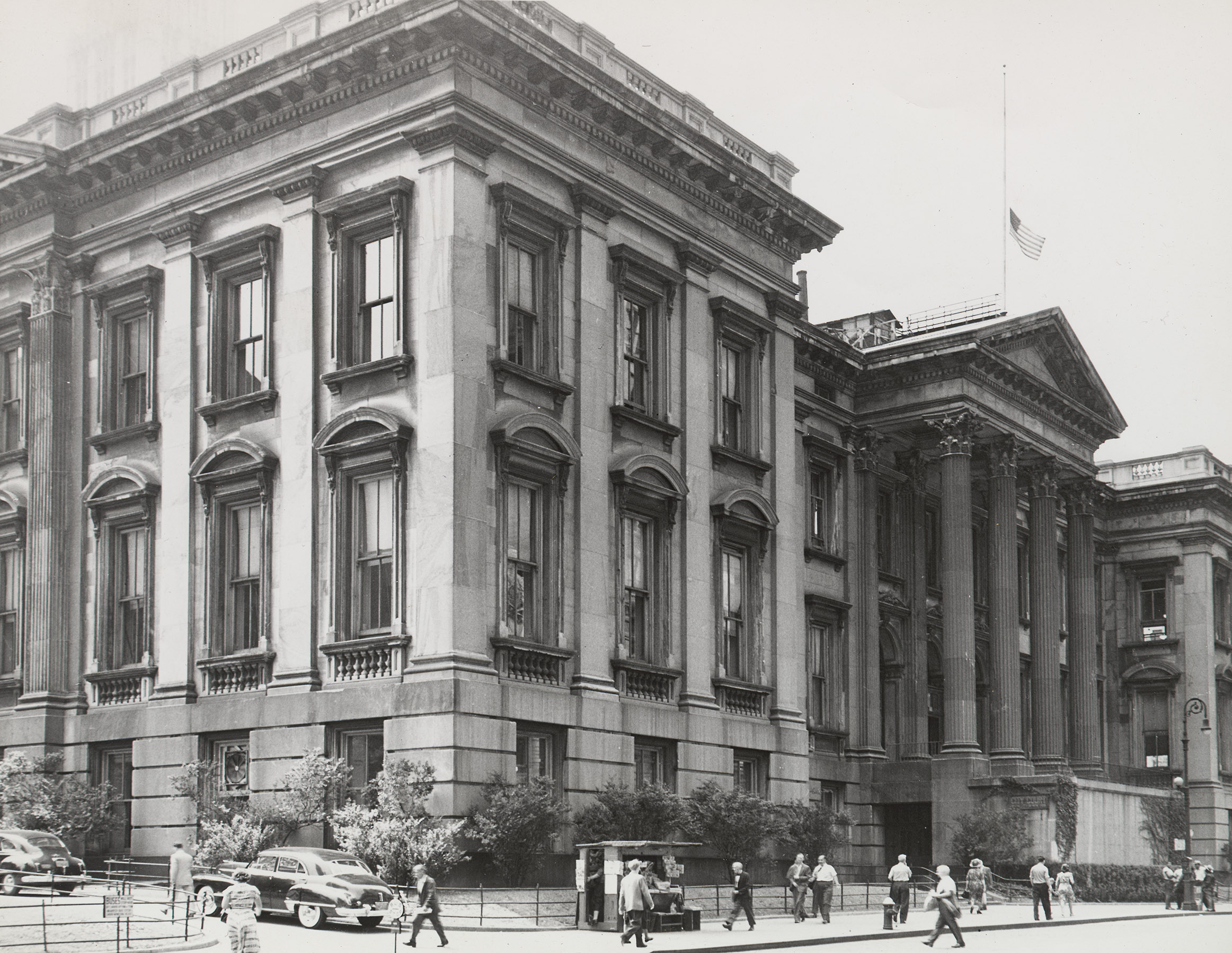 Tweed Courthouse soon after the Chambers Street stairs were removed, ca. 1956. NYC Municipal Archives.
