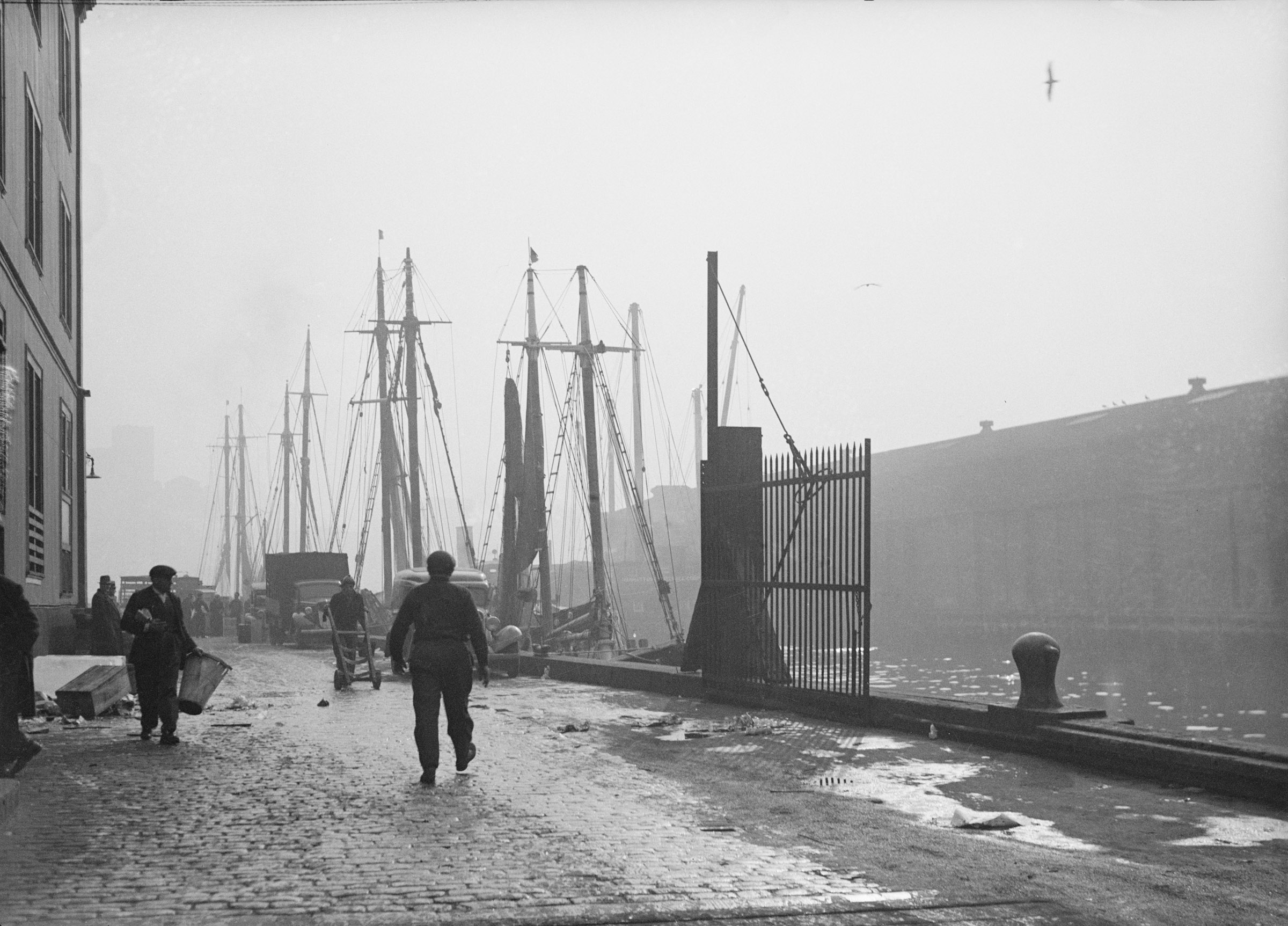 South Street Seaport. Date: January 13, 1937. Photographer unknown. WPA-FWP Collection, NYC Municipal Archives.