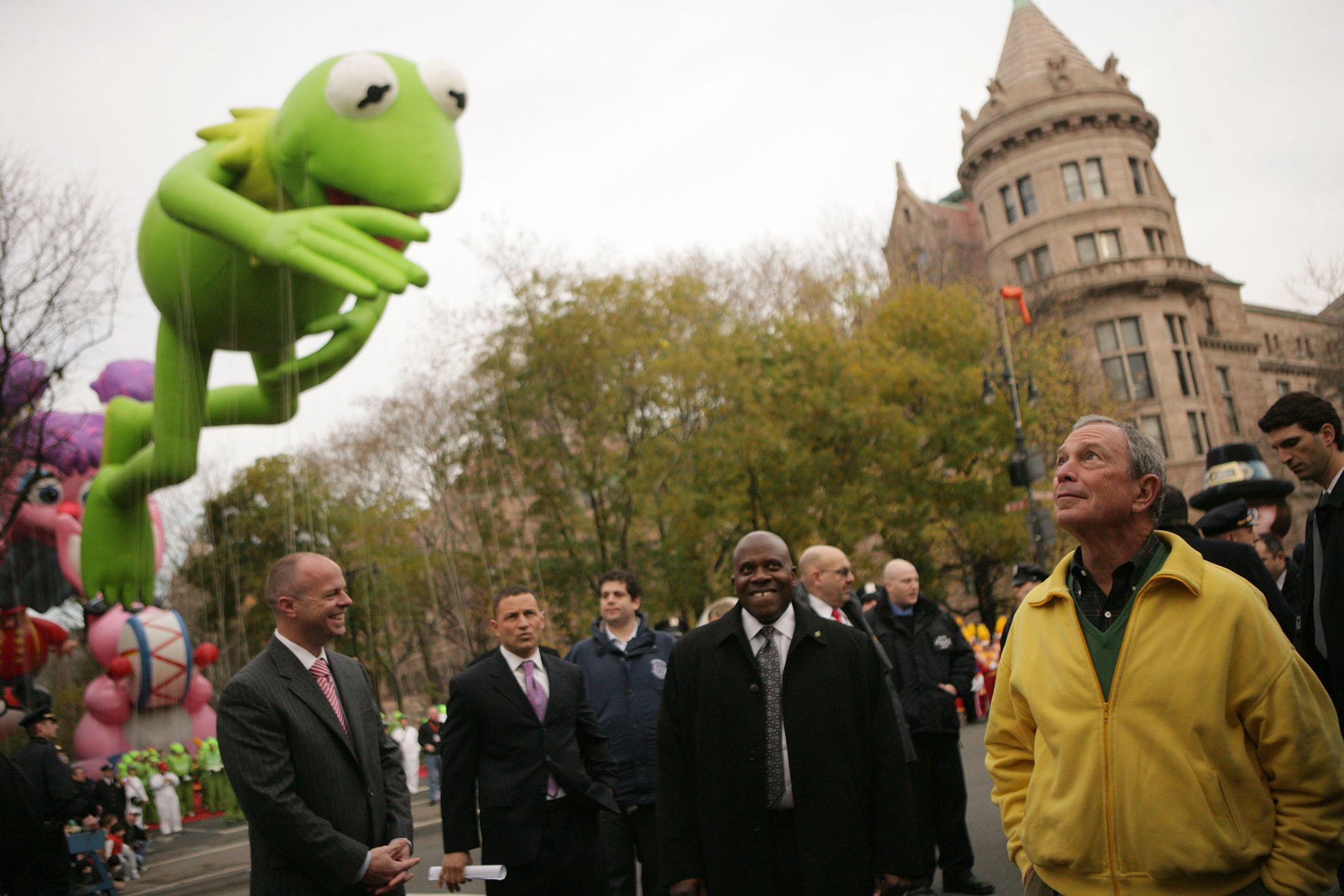 Mayor Michael Bloomberg with Kermit the Frog and security staff, Thanksgiving, November 26, 2009. Mayor Bloomberg Collection, NYC Municipal Archives.