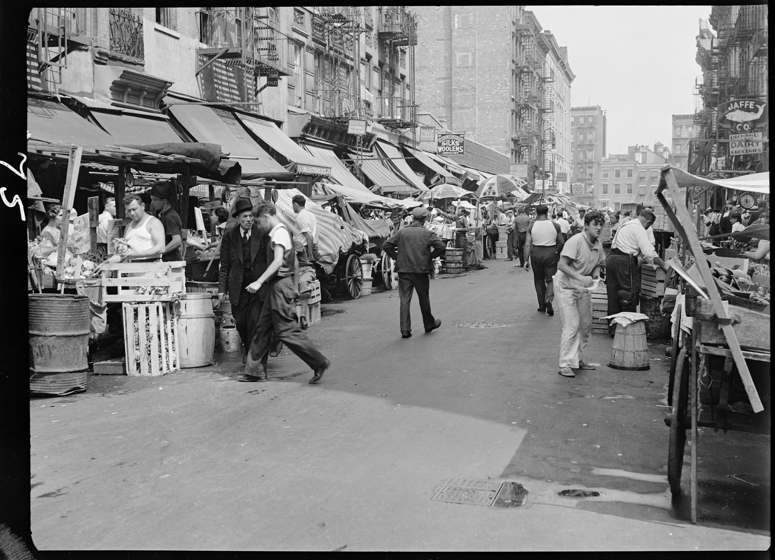 Sidewalk Pushcart Market, Mulberry Street, ca. 1937. Photographer unknown, WPA Federal Writers' Project collection, NYC Municipal Archives.