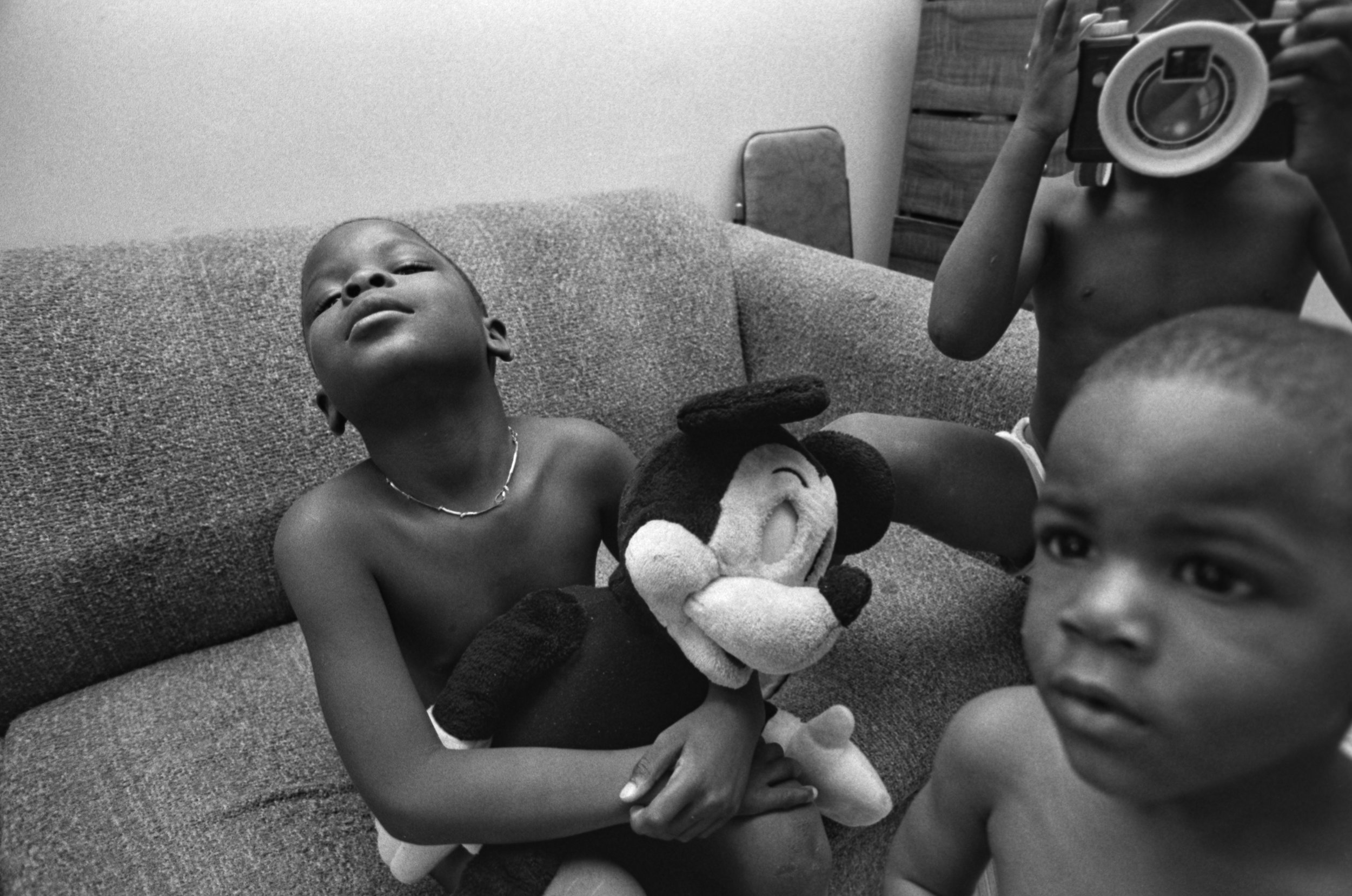 Emergency visit, Harlem, July 1989. Photograph by Larry Racioppo.