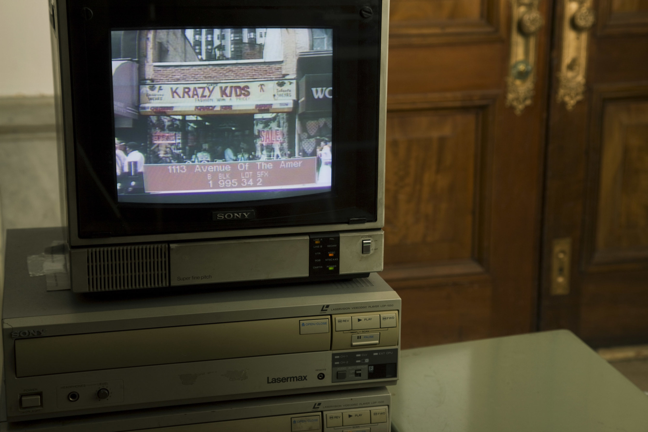 The LVD player during screen capture of the 1980s Tax Photos at the Municipal Archives.
