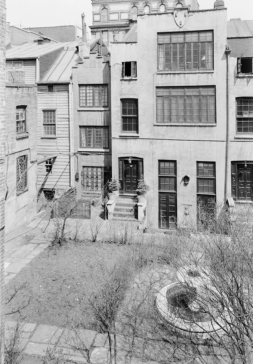 Bedford and Commerce Streets backyard. Date: 1937. Photographer: Unknown. WPA-FWP Collection, neg. 127. NYC Municipal Archives.