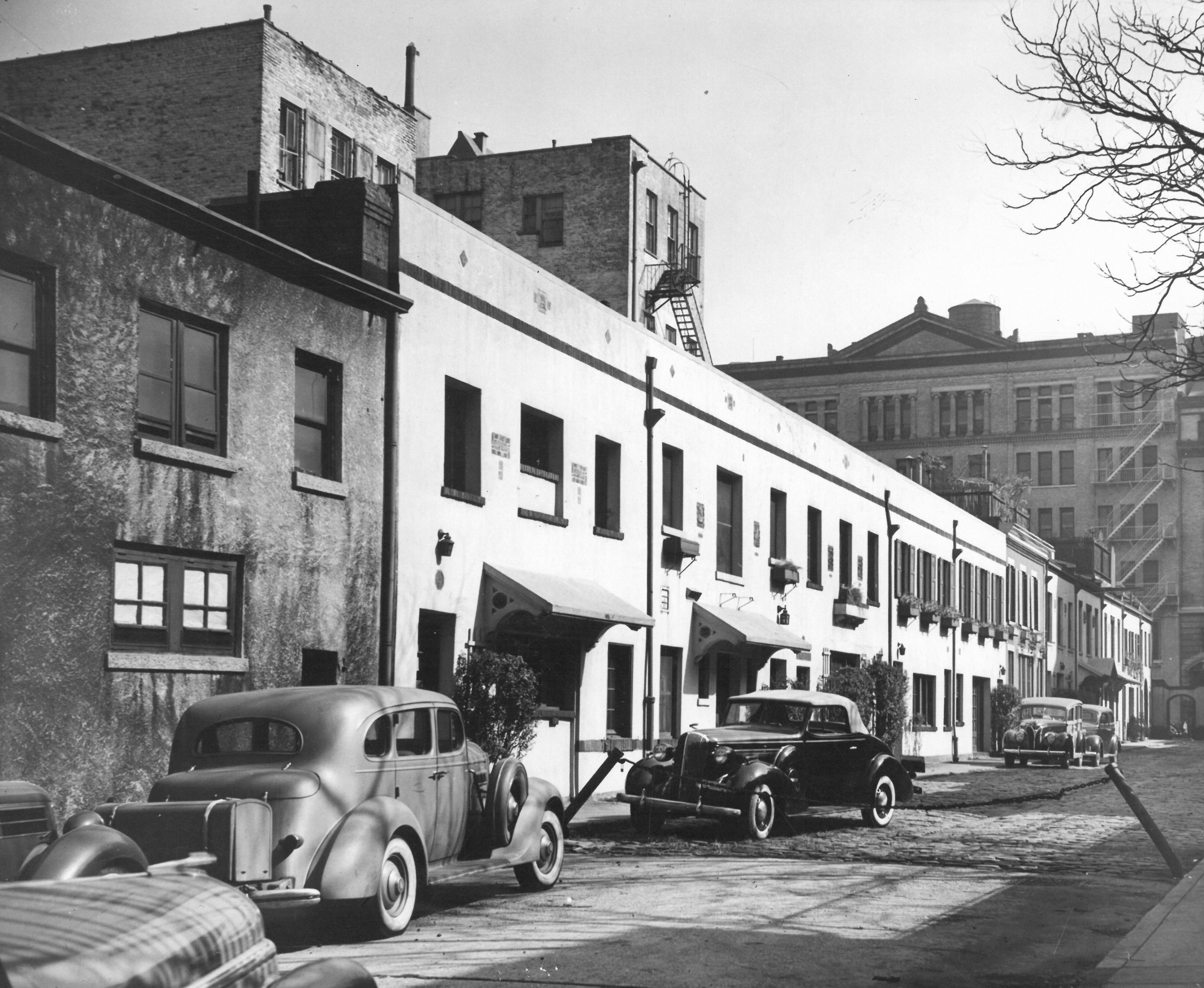 Washington Mews. Date: Oct. 17, 1938. Photographer: Eiseman. WPA-FWP Collection, neg. 3377-13. NYC Municipal Archives.