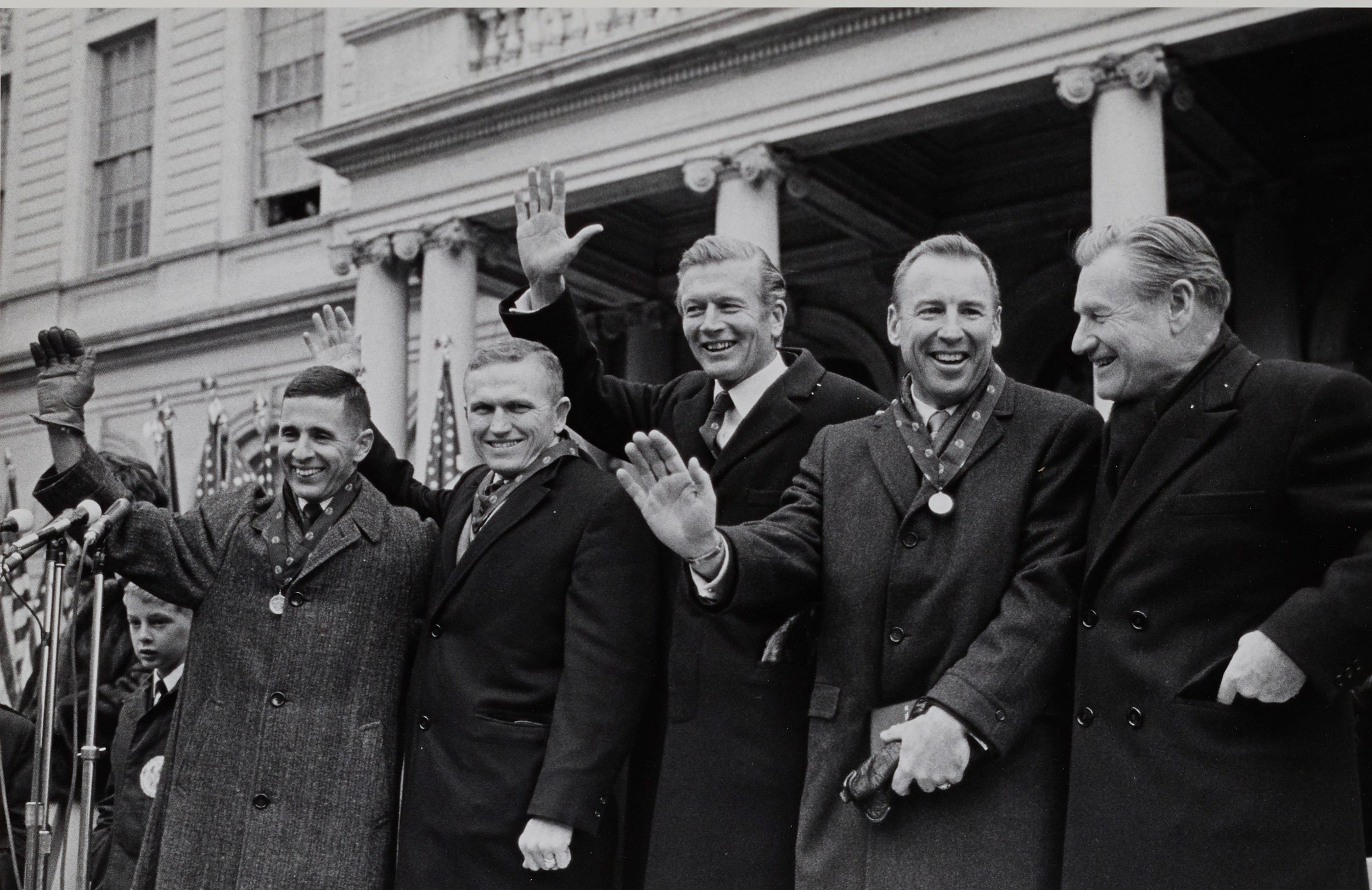 L-R: Lt. Col. Frank Borman, Lt. Col. William A. Anders, Mayor Lindsay, Capt. James A. Lovell, Jr., Governor Nelson Rockefeller on the steps of City Hall, January 10, 1969. Mayor Lindsay Collection, NYC Municipal Archives.