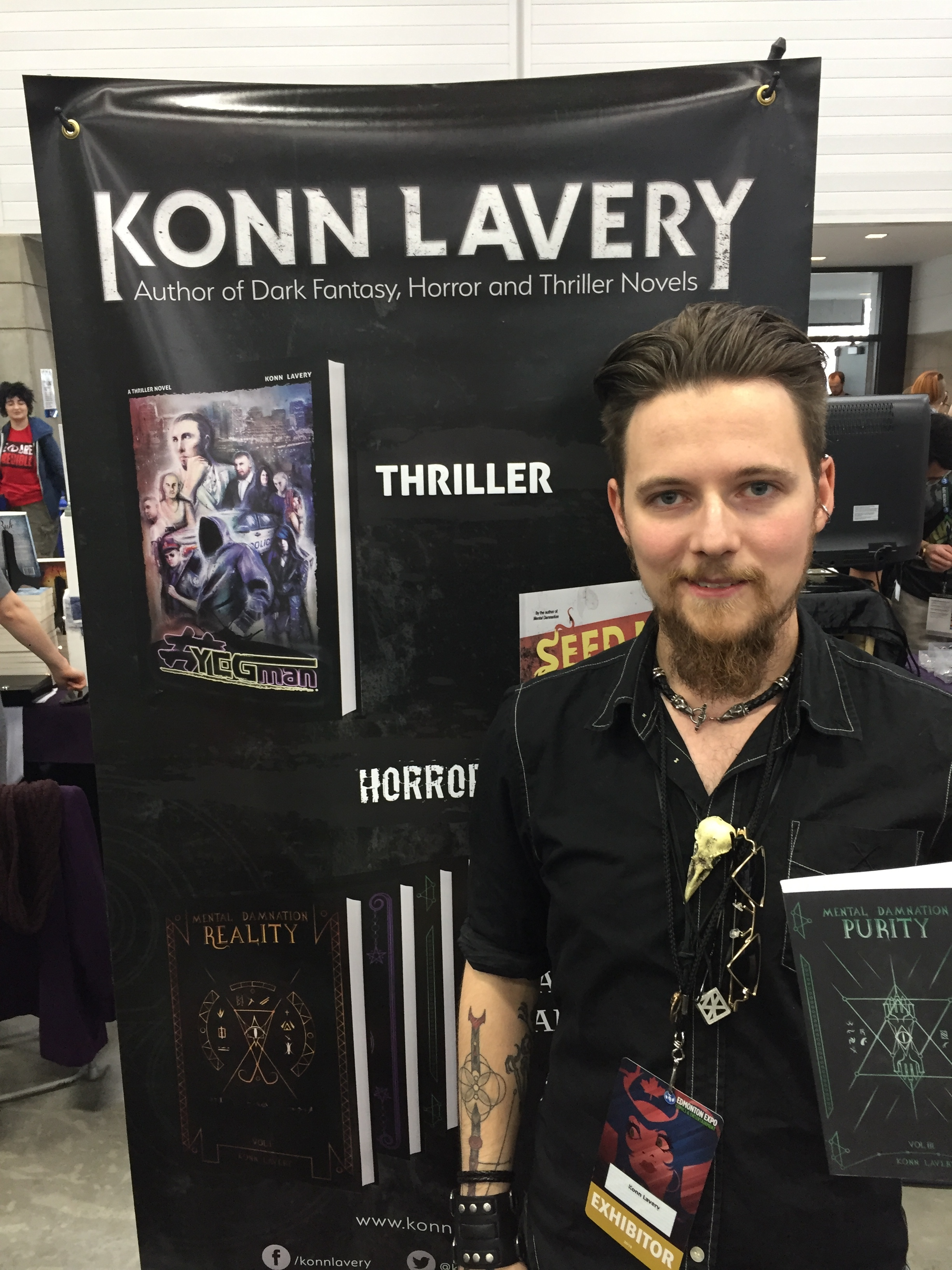 Author Konn Lavery at the 2018 Edmonton Expo   (Photo credit: Chris Doucher/GeekNerdNet.com)