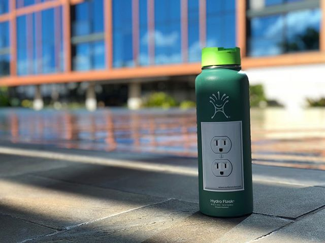 H2O for the soul!  #whatsyouroutlet #swimming #outdoors #pool #hydroflask