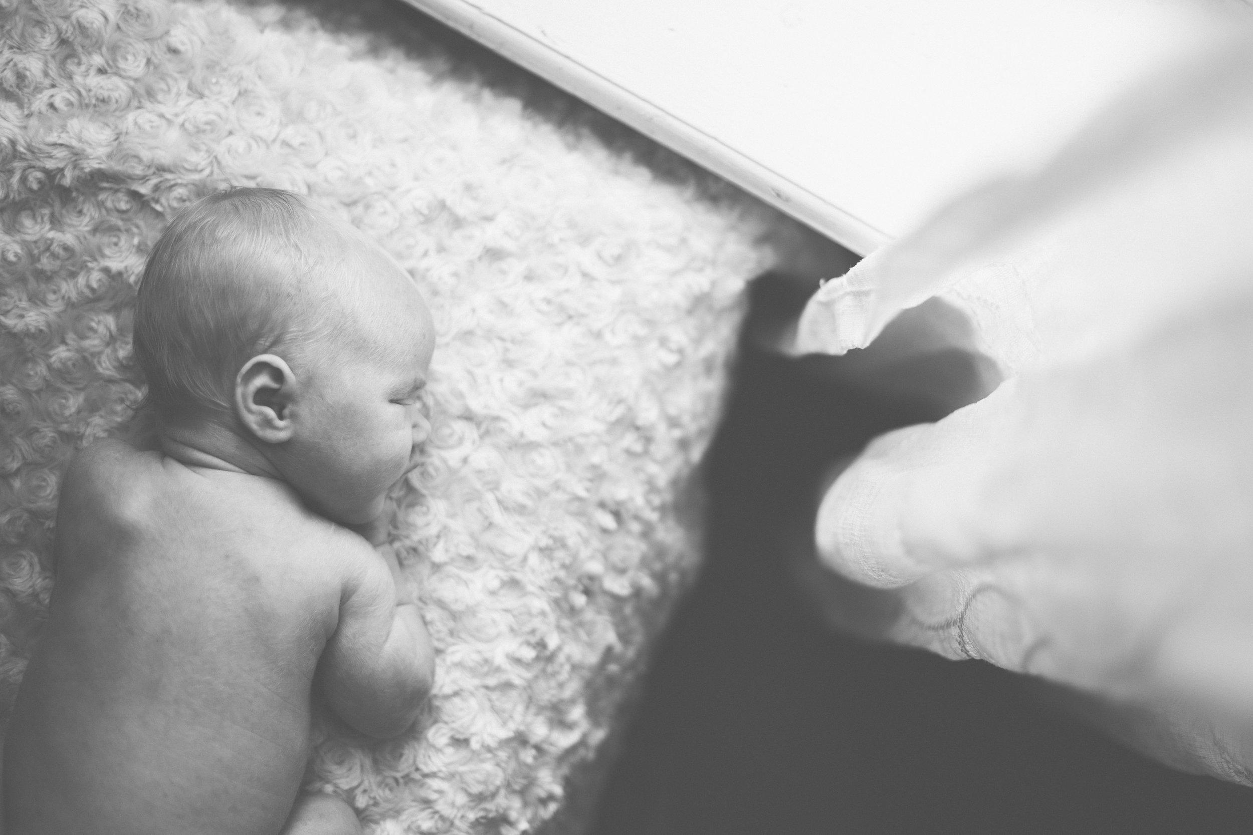 2017.08.17_BeauxHam_Newborn_preview-0004.jpg