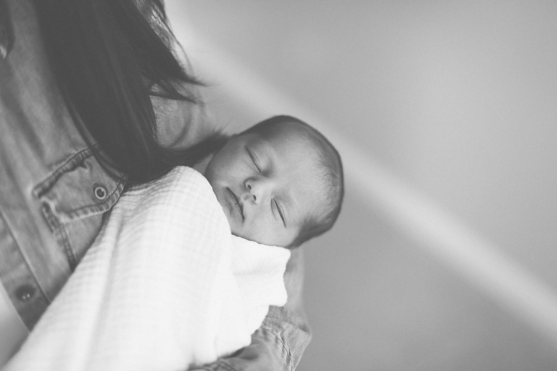2018.05.23_EleanorNicholas_Newborn_Starks-0039.jpg