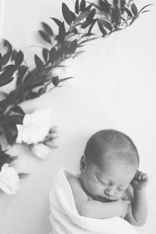 2018.05.23_EleanorNicholas_Newborn_Starks-0048.jpg