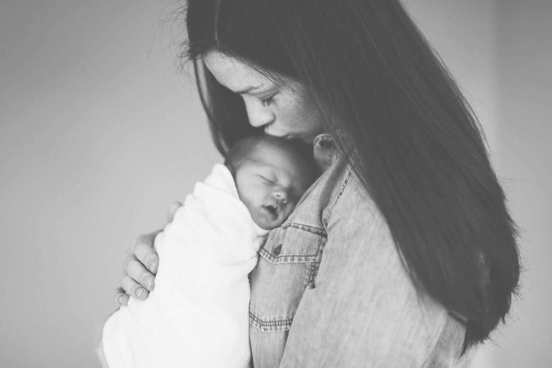 2018.05.23_EleanorNicholas_Newborn_Starks-0054.jpg
