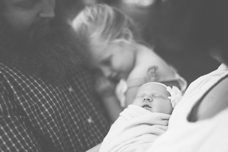2019.05.13_JuneJohnston_Newborn_Starks-50.jpg