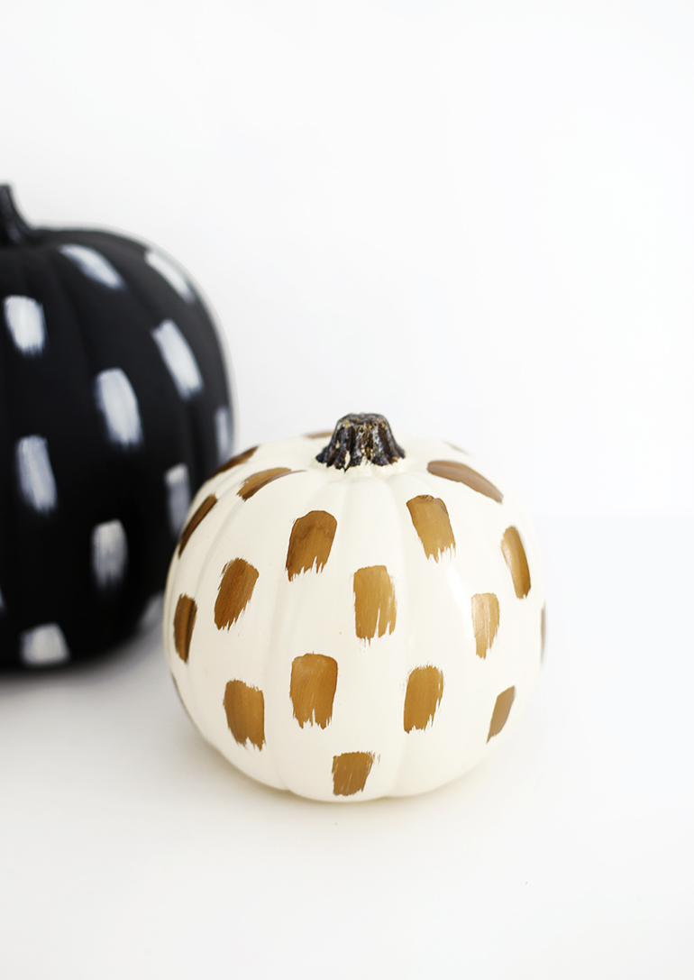 DIY Brushstroke Pumpkin by    The Merry Thought