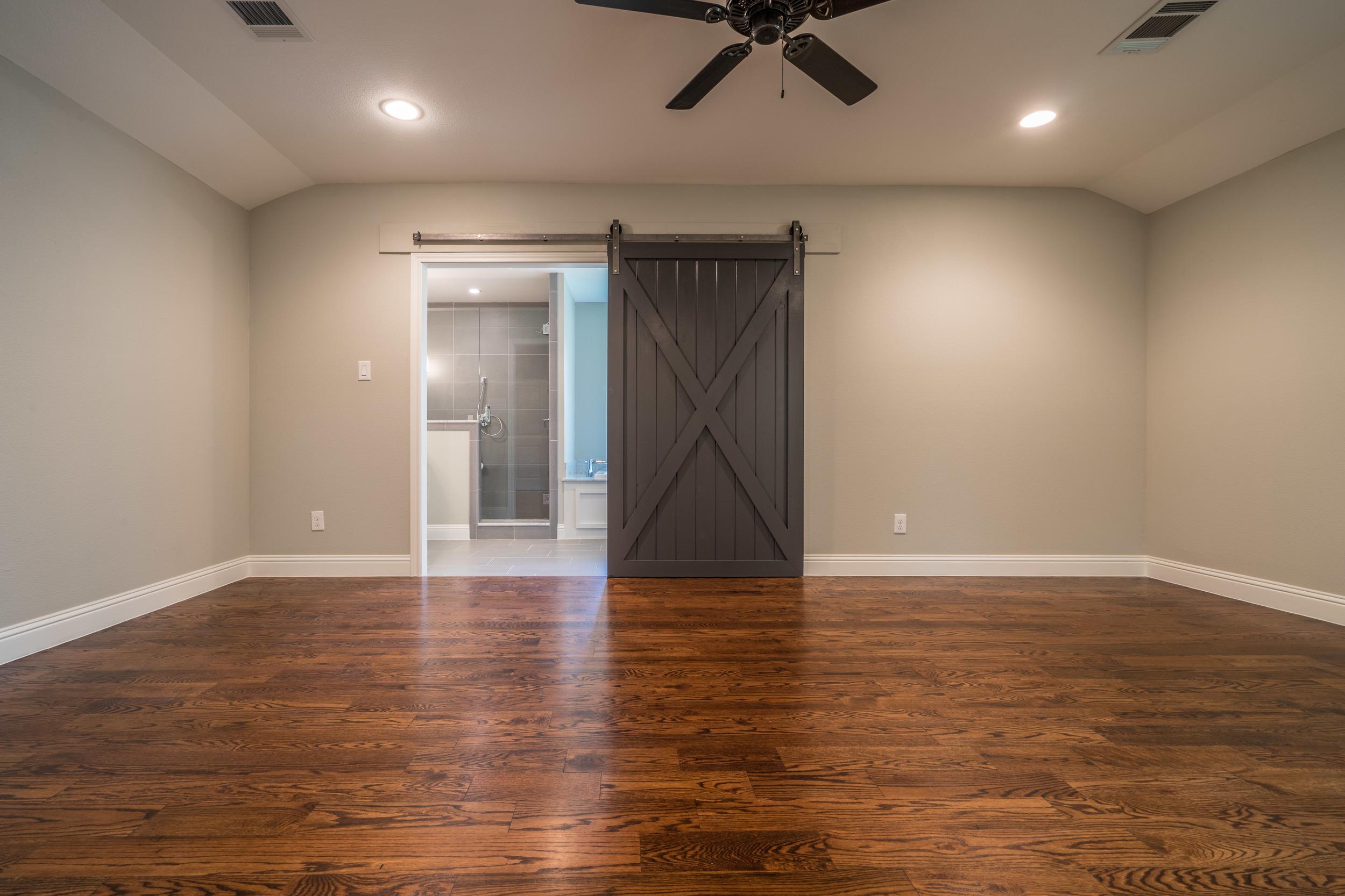 Master Barn Door.jpg