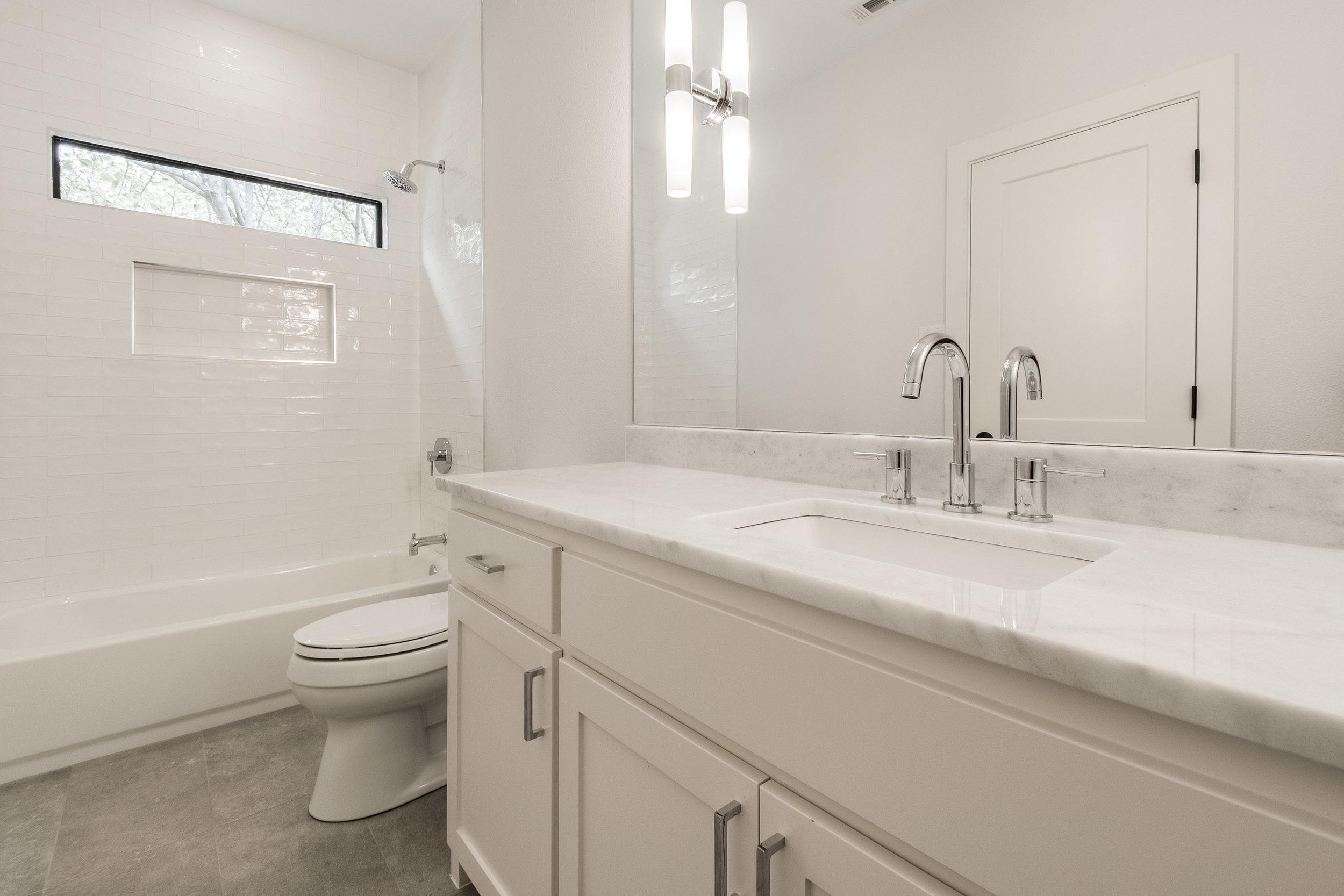 Guest Bath .jpg