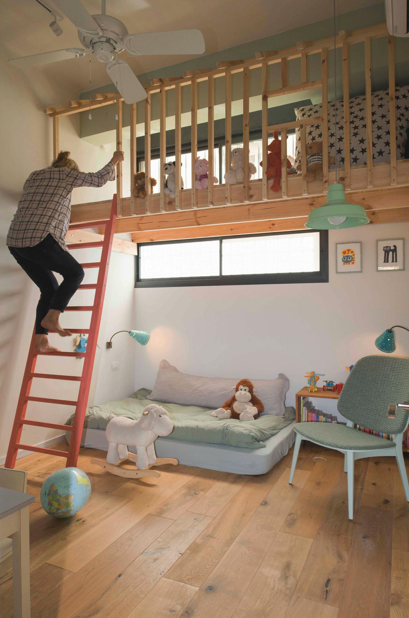 noam-bedroom.jpg