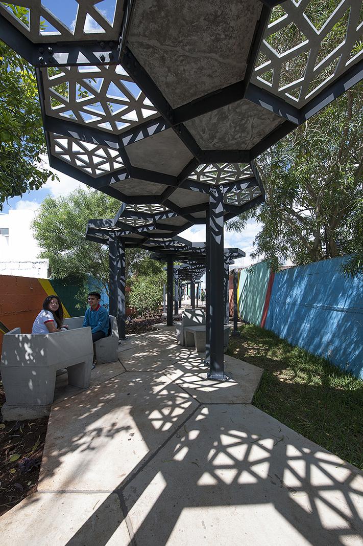 islas de mobiliario generar espacios en donde descansar y convivir con los vecinos