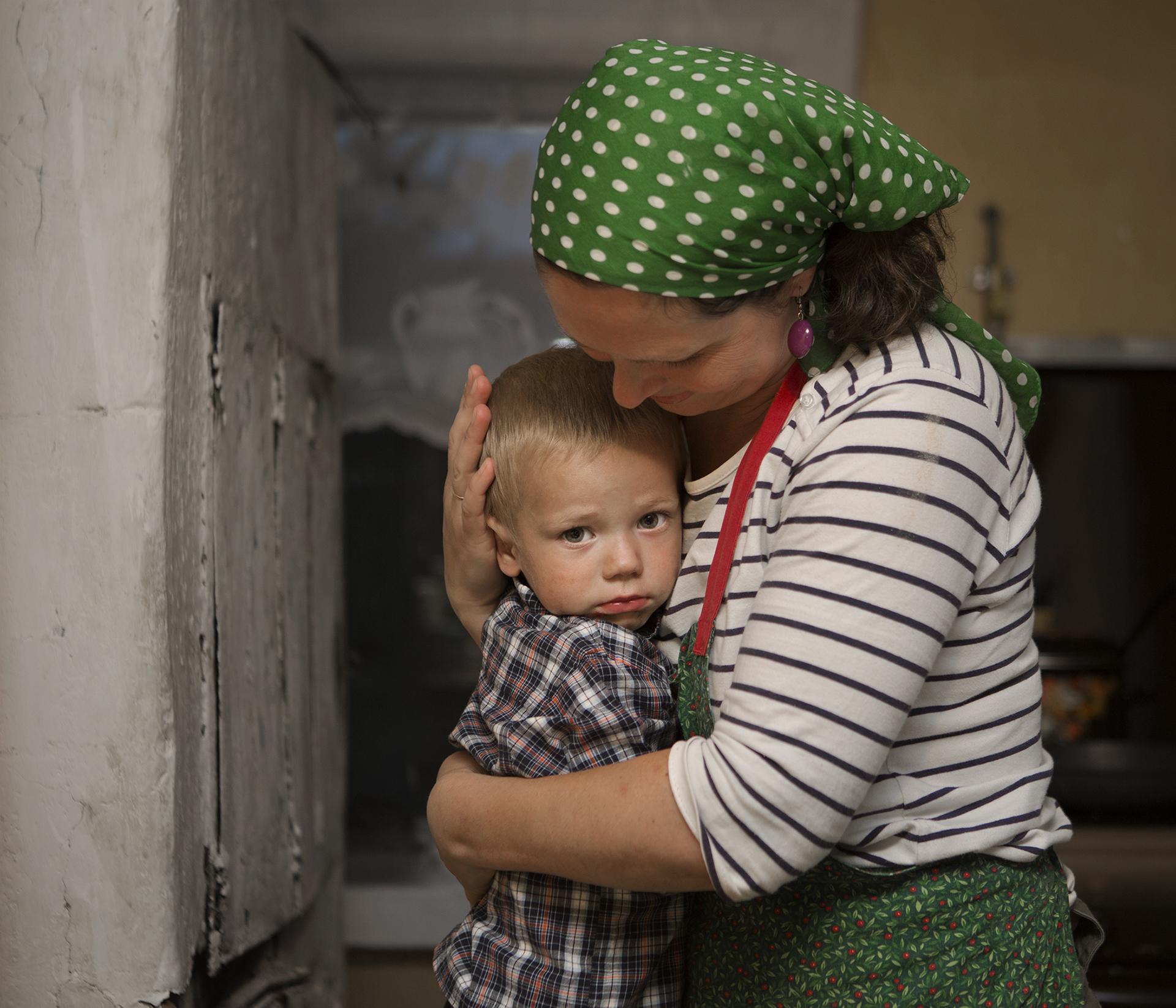jadwiga bronte.old red.belarus.misk.soviet union.mother and child.jpg