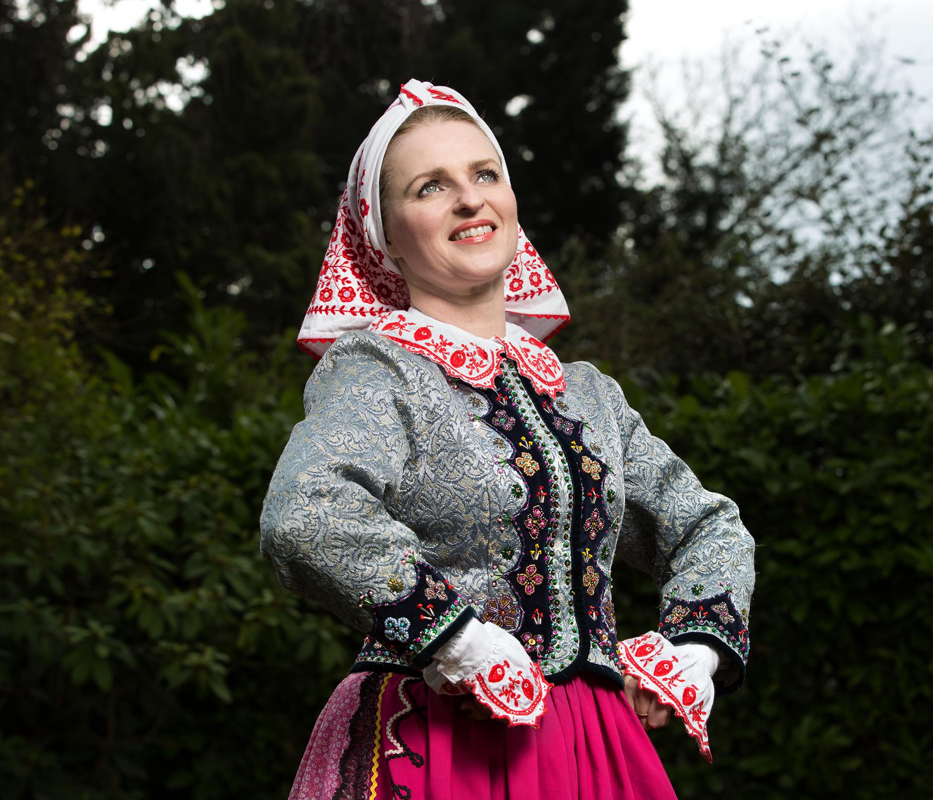 olanta Kutereba / Artistic Director of the folk dance group Karolinka.