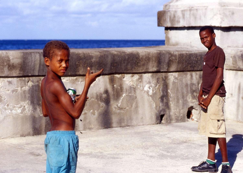 Cuba_boys-malecon-Cuba026-copy.jpg