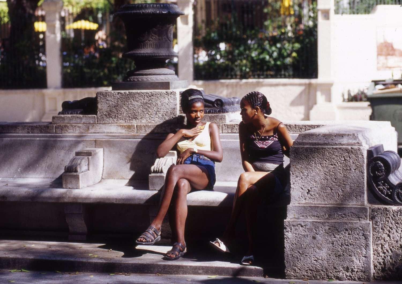 Cuba_two-women-Cuba053.jpg