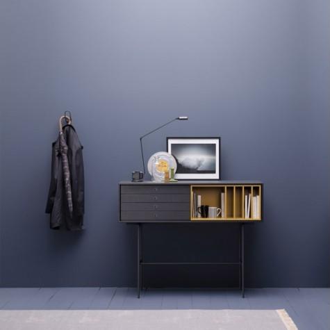 Siden 1947 har Treku laget solide dog  visuelt superslanke møbler helt nord i Spania, en vakker liten kjøretur  fra Atlanterhavkysten og San Sebastian. Treku er godt etablert i Europa og søker nå forhandlere i Norge.   HALL 12 - STAND B 05