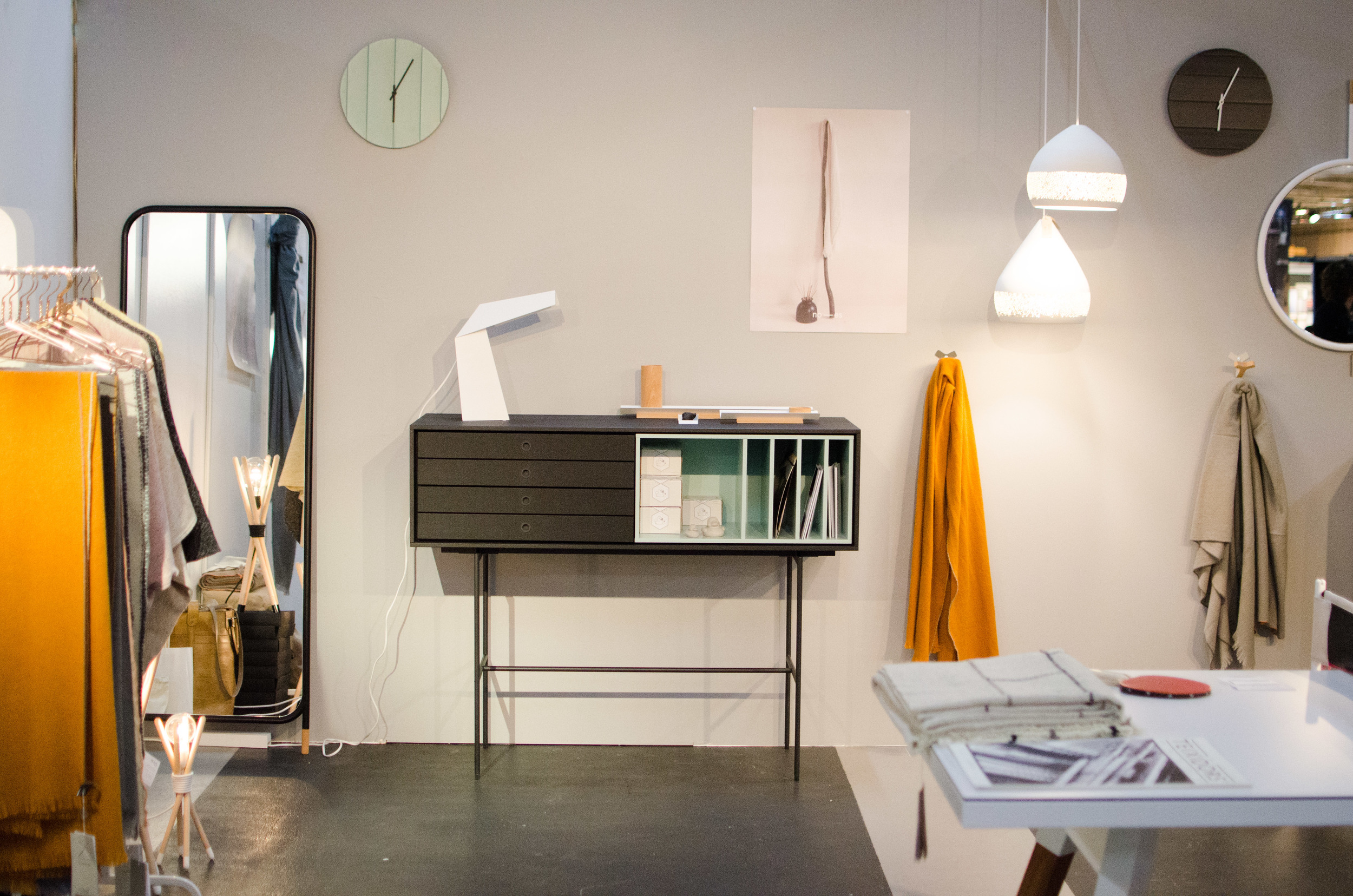 """The wall was painted in the color """"tåkedis"""" from Jotun. A calm background for the selected products from sunny Spain."""