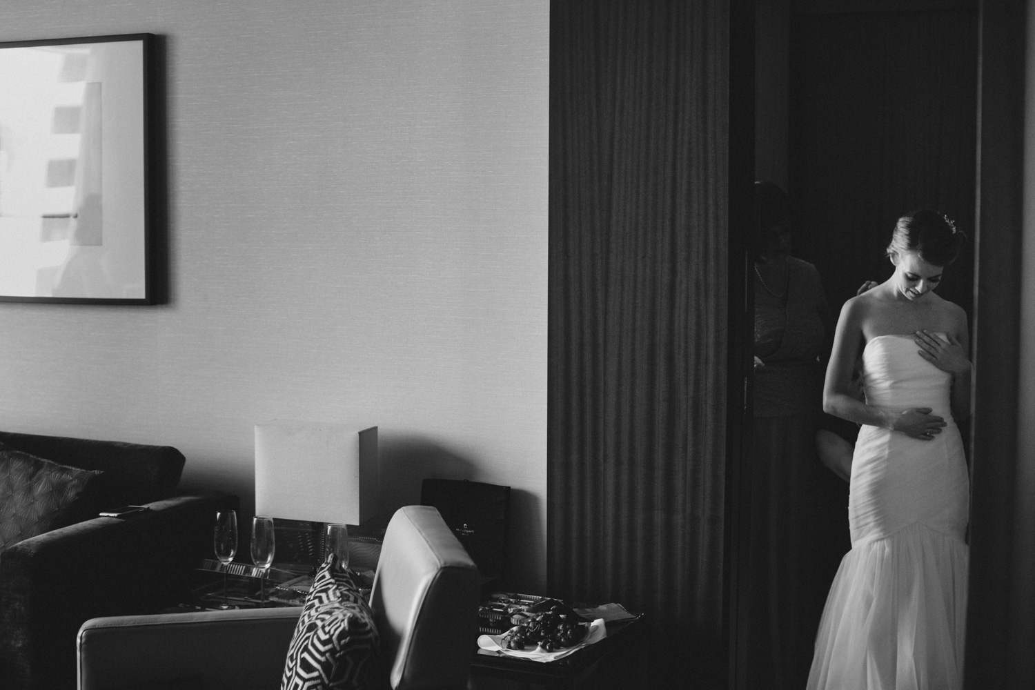 Knox-College-Toronto-wedding-photos-by-Sam-Wong-of-Artanis-Collective_12.jpg