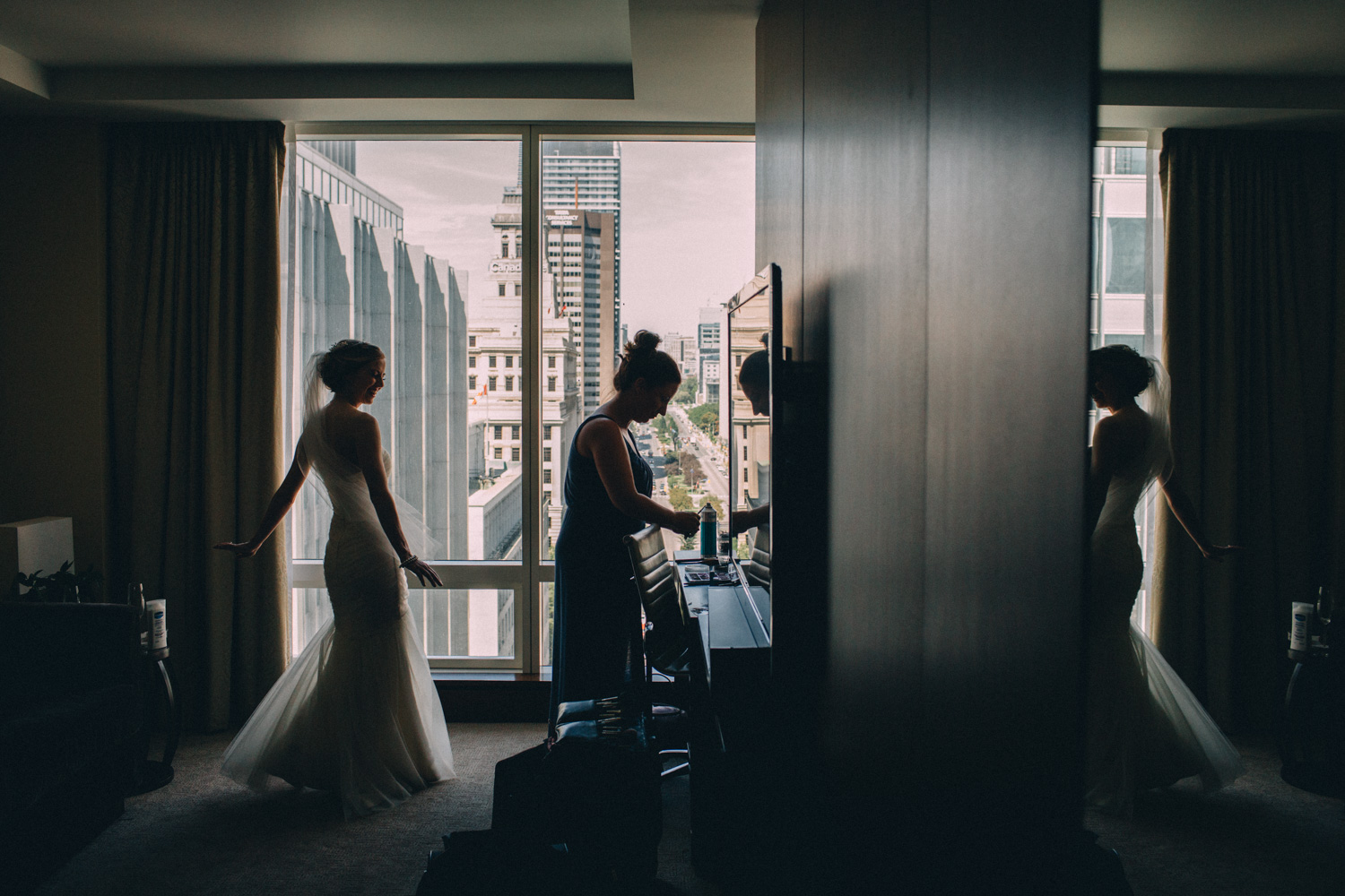 Knox-College-Toronto-wedding-photos-by-Sam-Wong-of-Artanis-Collective_15.jpg